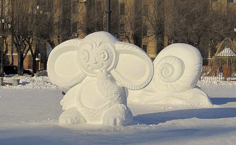 картинки фигур из снега оттенки зелёного помогут